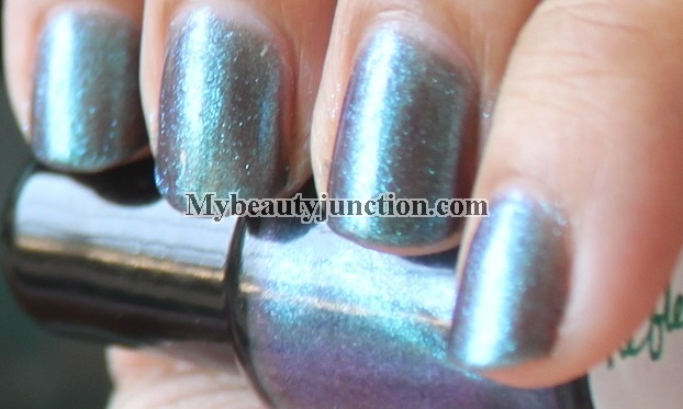 Carpe Noctem Cosmetics Reflect by Samhain nail polish swatches and review