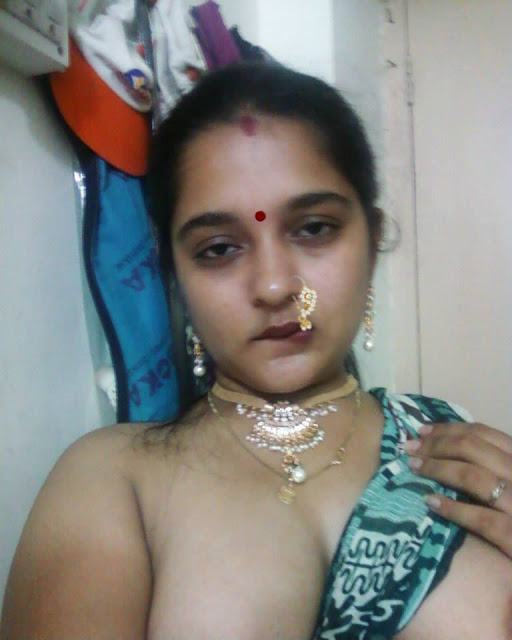 cleavage Real aunty