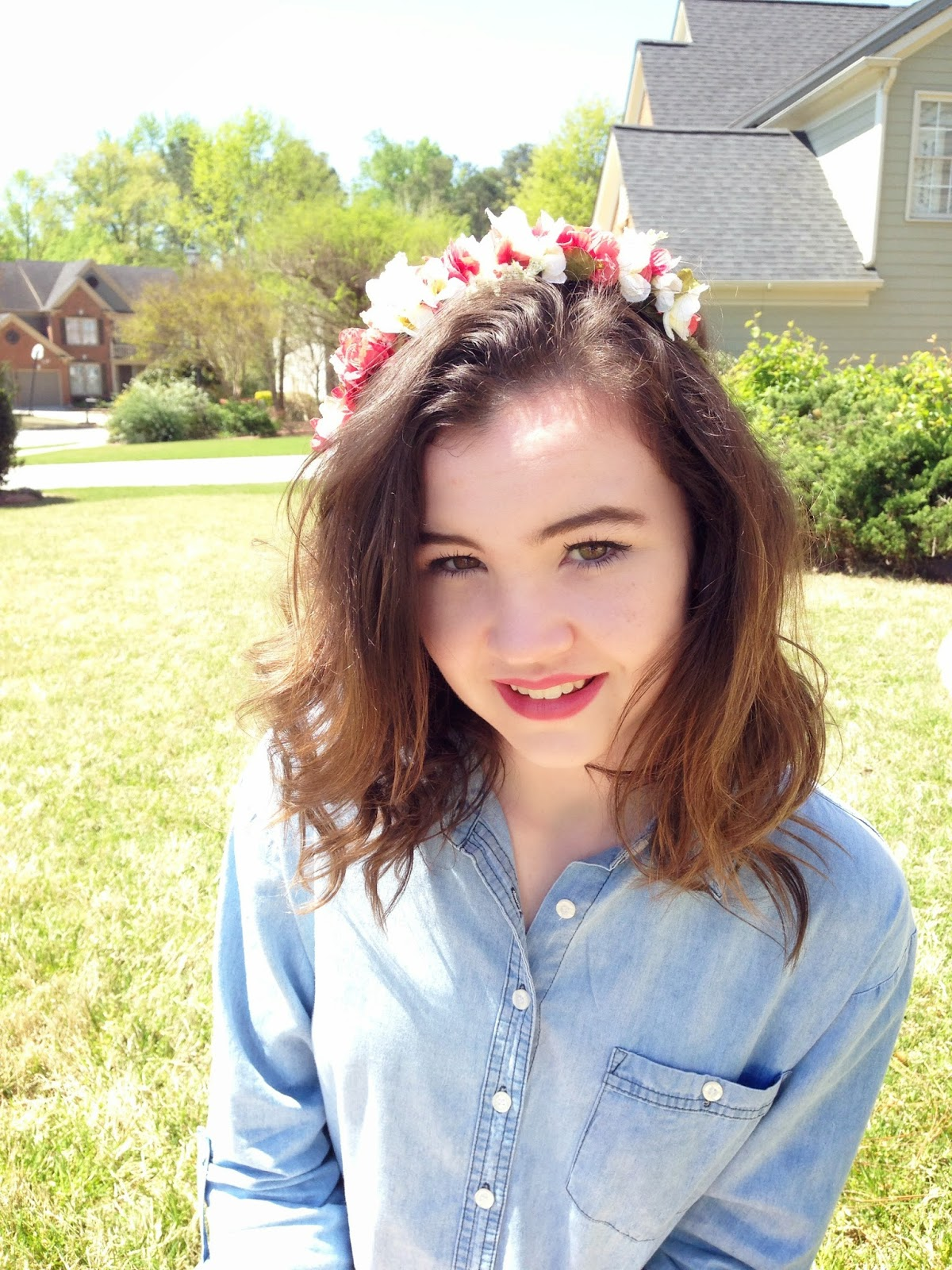 Emilyann having a handcrafted crown is the best alternative to wearing real flowers in your hair izmirmasajfo