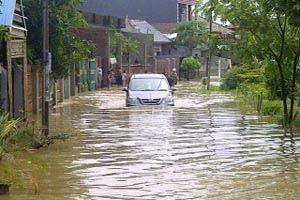 banjir bandang maros 2013