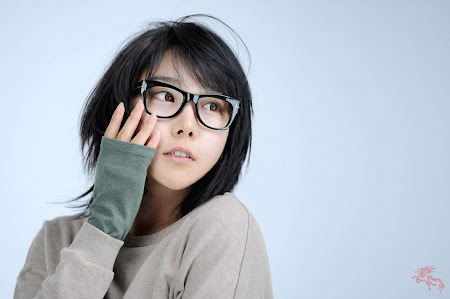 Lee Yoo Mi, Cute with Glasses 01