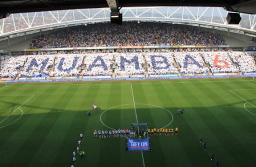 Bolton fans unfurl Muamba TIFO