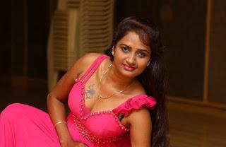 Actress kaveri navel show photos gallery