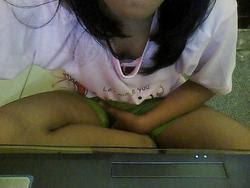 Cewek SMA Ini Nekat Bugil Sambil Video Chat (Webcam)