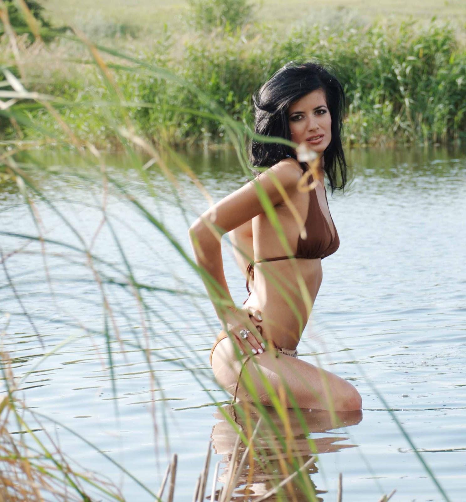 Прекрасные девушки для мужских журналов 28 фотография