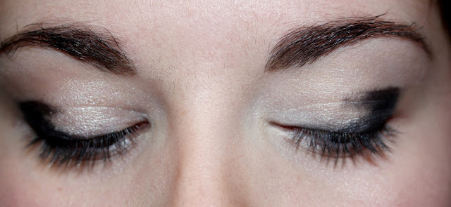 explication maquillage nuit outer V crayon noir