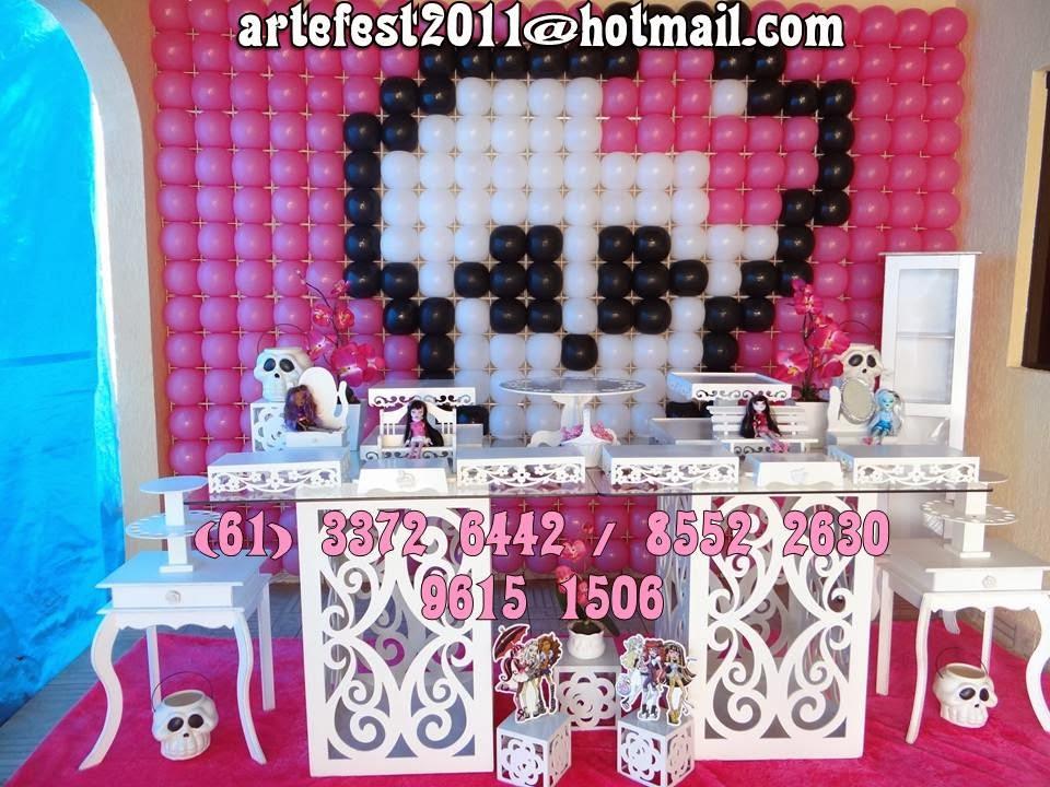 Mesa  e decoração provençal Monster High