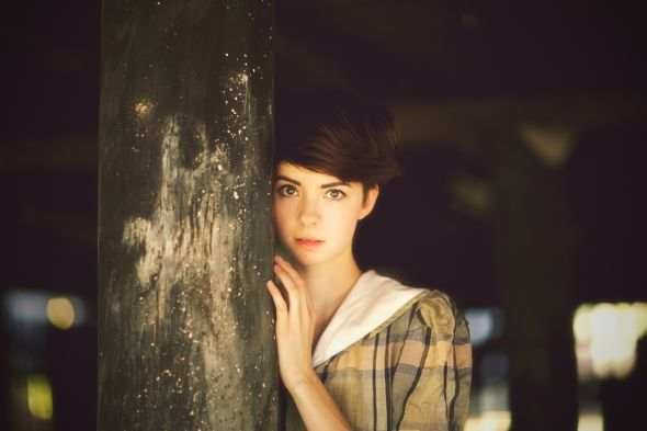 modelo Charly Murphy fotografia Beth Lane cabelos curtos meiga doce linda mulher