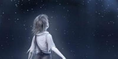 Un niño que mira a las estrellas, al cielo, al firmamento, intentando descifrar lo desconocido.