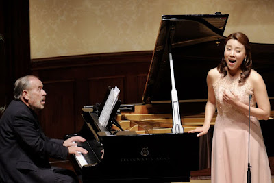 Helmut Deutsch and Sumi Hwang - Rosenblatt Recitalls at the Wigmore Hall - photo Jonathan Rose