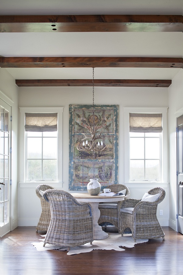 Rustic finishes in colorado vacation house interiors and for Vacation home interior design