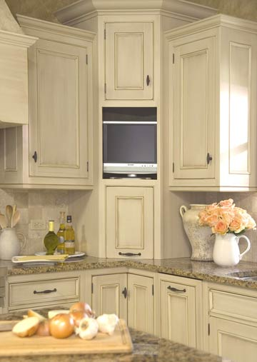 Kitchen corner solutions home appliance for Corner cabinet kitchen ideas