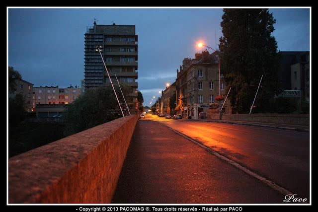 ville de Sedan rue thiers vue depuis le pont de meuse
