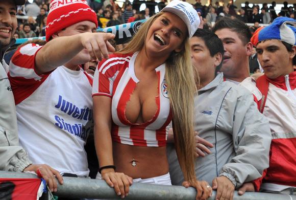 голые фанатки футбола фото
