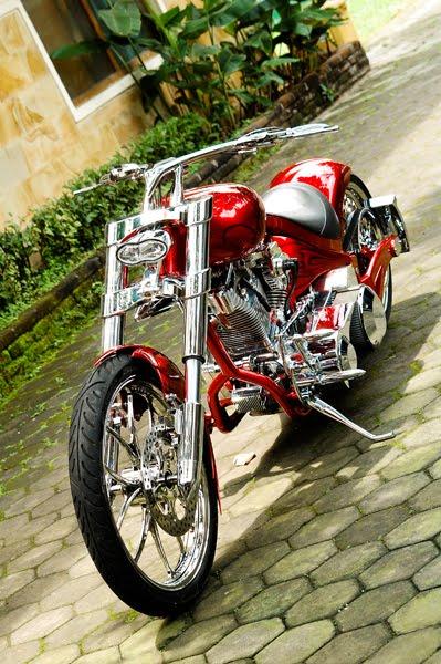 Modifikasi Harley-Davidson Pro-Street .  Nama Choppalicious bisa diartikan sebagai nilai estetika dan ridiable. Diambil dari dua hal yang bersinergi, yakni chopper dan delicious. Chopper jelas langkah nge-chop, menjadikan motor lebih ringan dan simple jadi tujuan. Estetika dan egosentris dari sang builder ditonjolkan. Disisi lain delicious berkaitan dengan ergonomic pengendaranya. Motor harus tetap nikmat dan nyaman walau ridding ratusan kilometer.