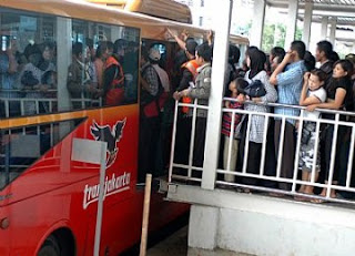 Antrian busway transjakarta