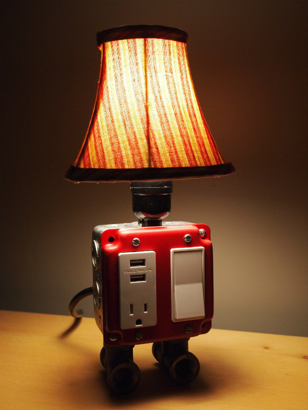 Table Lamp with USB Charging Station | Spicytec