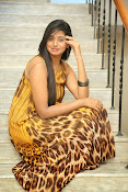 Actress Shalini latest glam pics-thumbnail-3