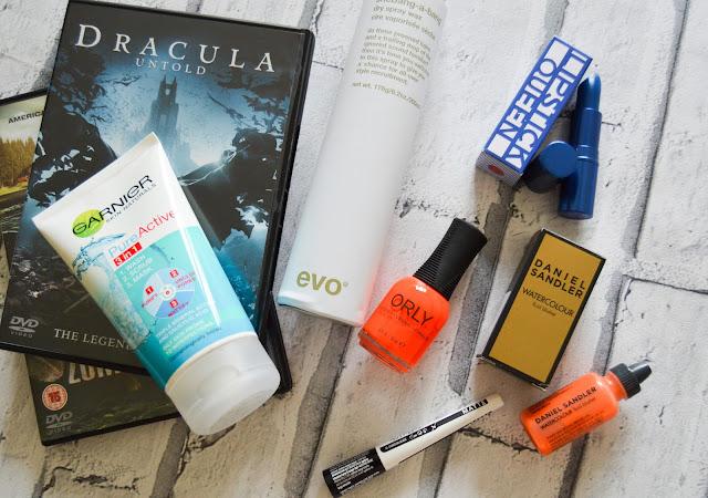 HQScare HQ Hair Halloween Blogger Box