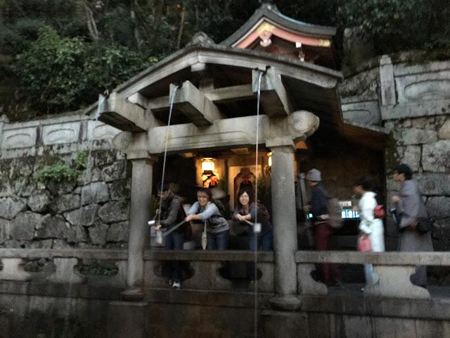 kyoto kiyomizudera kiyomizu temple fountain
