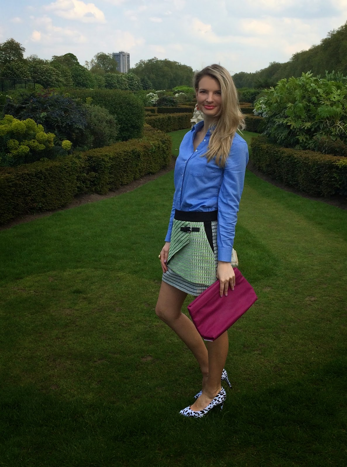 pink clutch, zara clutch, zara pink clutch, asos heels, asos lookbook, wrap skirt, karen millen skirt, blue shirt and skirt, shirt and skirt, london, street style