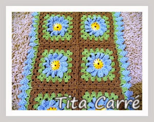 Tapete de Square de flores  Margaridas com pétalas dobradas
