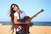 Actress Poonam Kaur latest Hot Photos at Beach-thumbnail-11