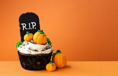 Cupcake para Halloween, cupcake con decoración de Halloween, cupcake de miedo, cupcake