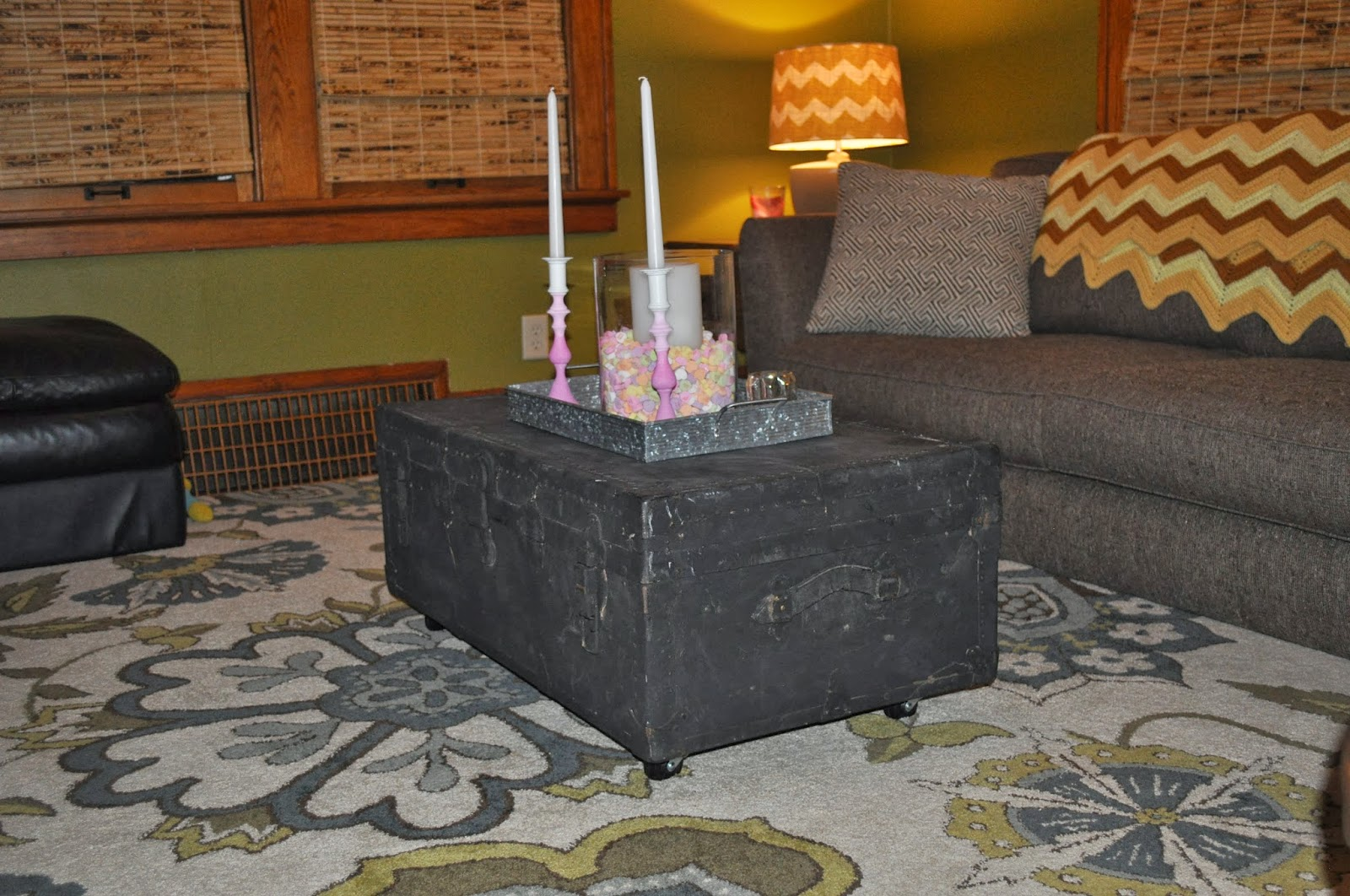 trunk, coffee table, casters, DIY, living room decor, vintage trunk