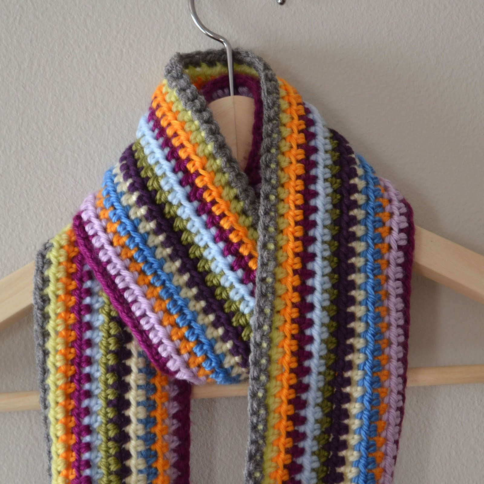 Crochet Patterns To Use Up Yarn : Crochet in Color: Scrapadelic Scarf