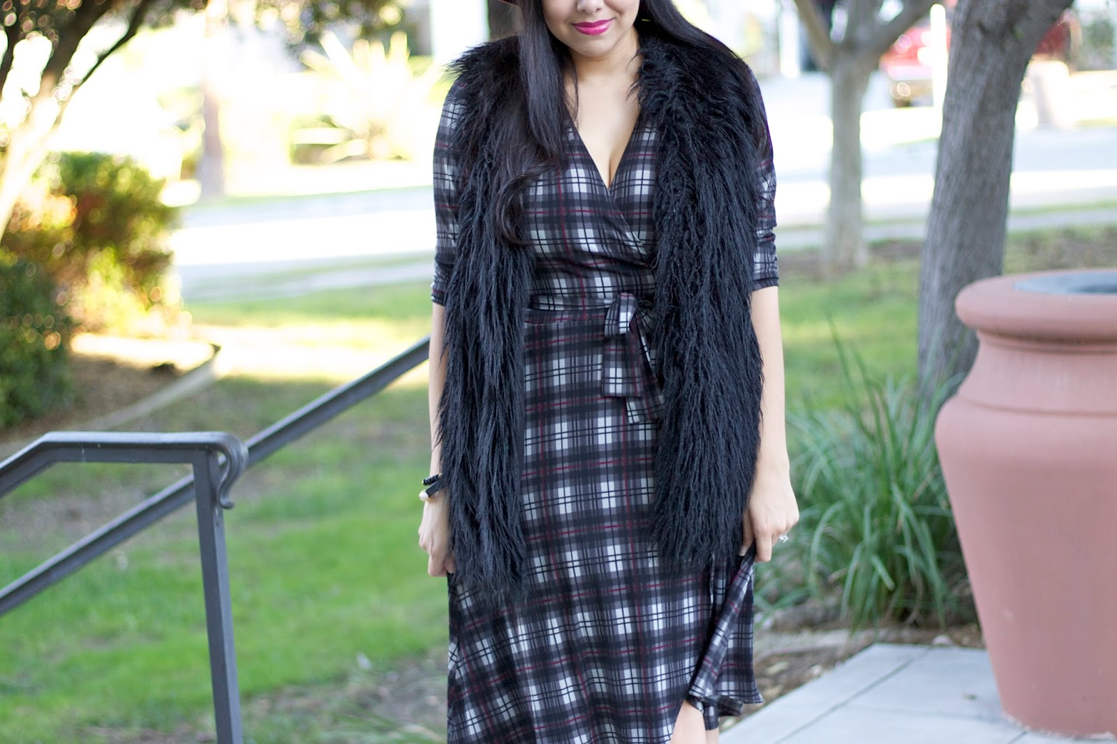 How to layer this fall, long plaid dress, plaid comfortable dress, justfab luxe boots, ankle booties, black leather booties
