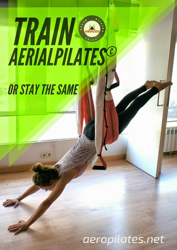 """Pilates Aérien: Posture acrobatique, la planche sur le hamac de yoga et pilates. une vidéo-exercice avec Rafael Martinez, createur de la méthode AeroYoga® et  précurseur du YOGA AÉRIEN© ET du PILATES AÉRIEN© en Europe. Ver el perfil de Conceptual Fitness© en LinkedIn Instagram    Faisons aujourd'hui la posture de la Planche Aérienne … Nous commençons par une extension des jambes, jambes séparées. Nous profitons d'une extension des jambes complète et tout le système musculaire. Les mains sont consciemment """"enracinée"""" au sol. Nous pouvons éprouver un sens élevé de «croissance»...VOIR LA VIDEO MAINTENANT ICI (OU CLIQUEZ ICI BAS), DECRIPTION DE LA POSTURES PLUS BAS  Yoga dans L'Air (AeroYoga®) dans la Presse Internationale Cliquez ici!         Faisons aujourd'hui la posture de la Planche Aérienne … Nous commençons par une extension des jambes, jambes séparées.  Nous profitons d'une extension des jambes complète et tout le système musculaire. Les mains sont consciemment """"enracinée"""" au sol. Nous pouvons éprouver un sens élevé de «croissance».    On se «nourri» nous-mêmes avec l'énergie de la terre à travers les mains .. …Et on rejete l'excédent énergétique par les pieds et les jambes... Nous profitons d'un sentiment de croissance régulière... …  On peut sentir corps-esprit stylisés et revitalisés ... Nous combinons cet exercice avec une respiration thoracique en trois dimensions. Nous utilisons la respiration (expiration) comme un outil pour promouvoir... …   l'activation pelvienne et la correction posturale. Avec cet exercice on active consciemment le """"centre"""" ett le renforcement des muscles abdominaux et du plancher pelvien  Plus d'infos sur aeropilates.fr AEROYOGA.FR Images,exercices et marques enregistrées internationalement ®© Seul AeroYoga® et AeroPilates® International certifie des enseignants dans cette discipline."""