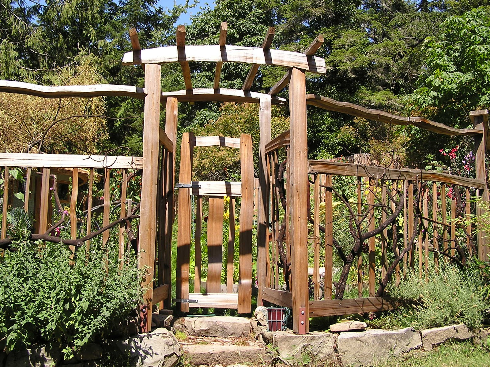 Garden arbor with gate autumn weddings pics for Fence with arbor