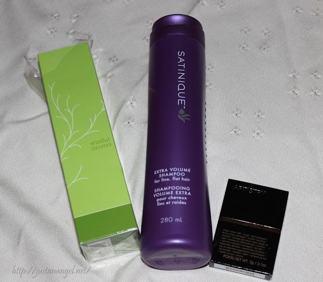 parfum Amway wistful arome , sampon Satinique Extra volume shampoo , blush Artistry