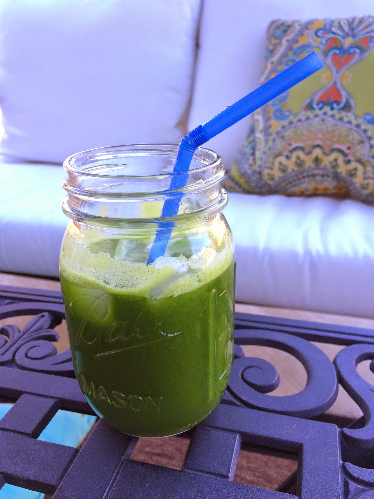 Kale Cucumber Spinach and Apple Juice