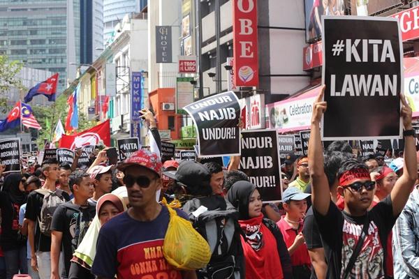 Nostalgia: Imbasan Kembali Peristiwa Penting Menggemparkan Malaysia Sepanjang 2015, TAK BACA MENYESAL!!