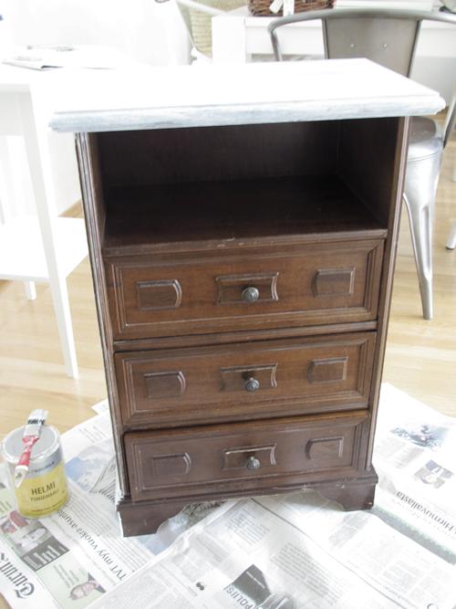 Increíble cambio de este mueble antiguo y desfasado a mesilla preciosa!