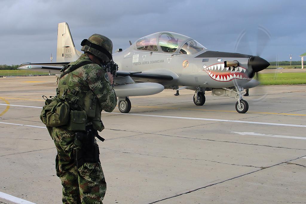 de una aeronave A29 Super tucano de la Fuerza Aérea Dominicana que