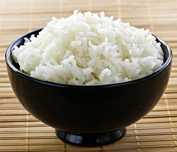 Kenapa Nasi yang baru dimasak cepat basi ?