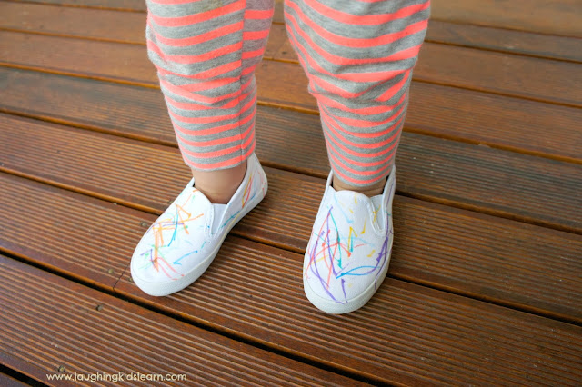 Decorating shoes for gifts : Laughing Kids Learn