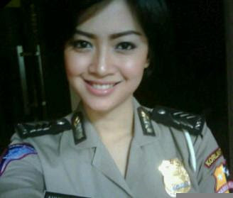 kumpulan polwan ngentot polisi cantik polcan poltik ngewe anak smp cerita Bokep 3gp