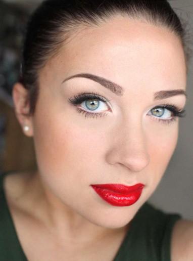 Lindsay Schott: Wearing Red Lipstick