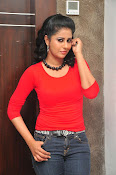 Anjana Menon stylish photos gallery-thumbnail-4