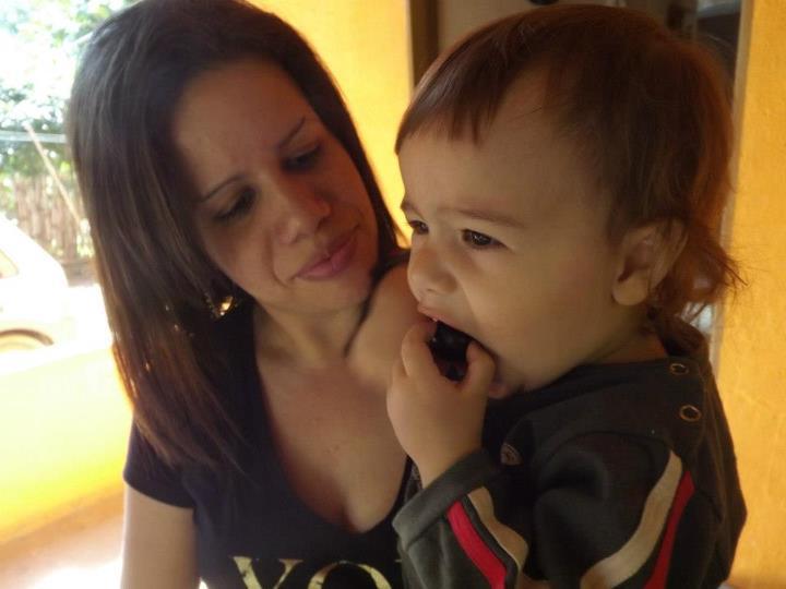 Um doce de bebe: Comendo jabuticaba - photo#8