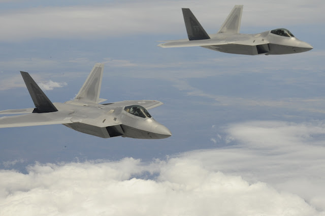 f-22 raptor formation flight