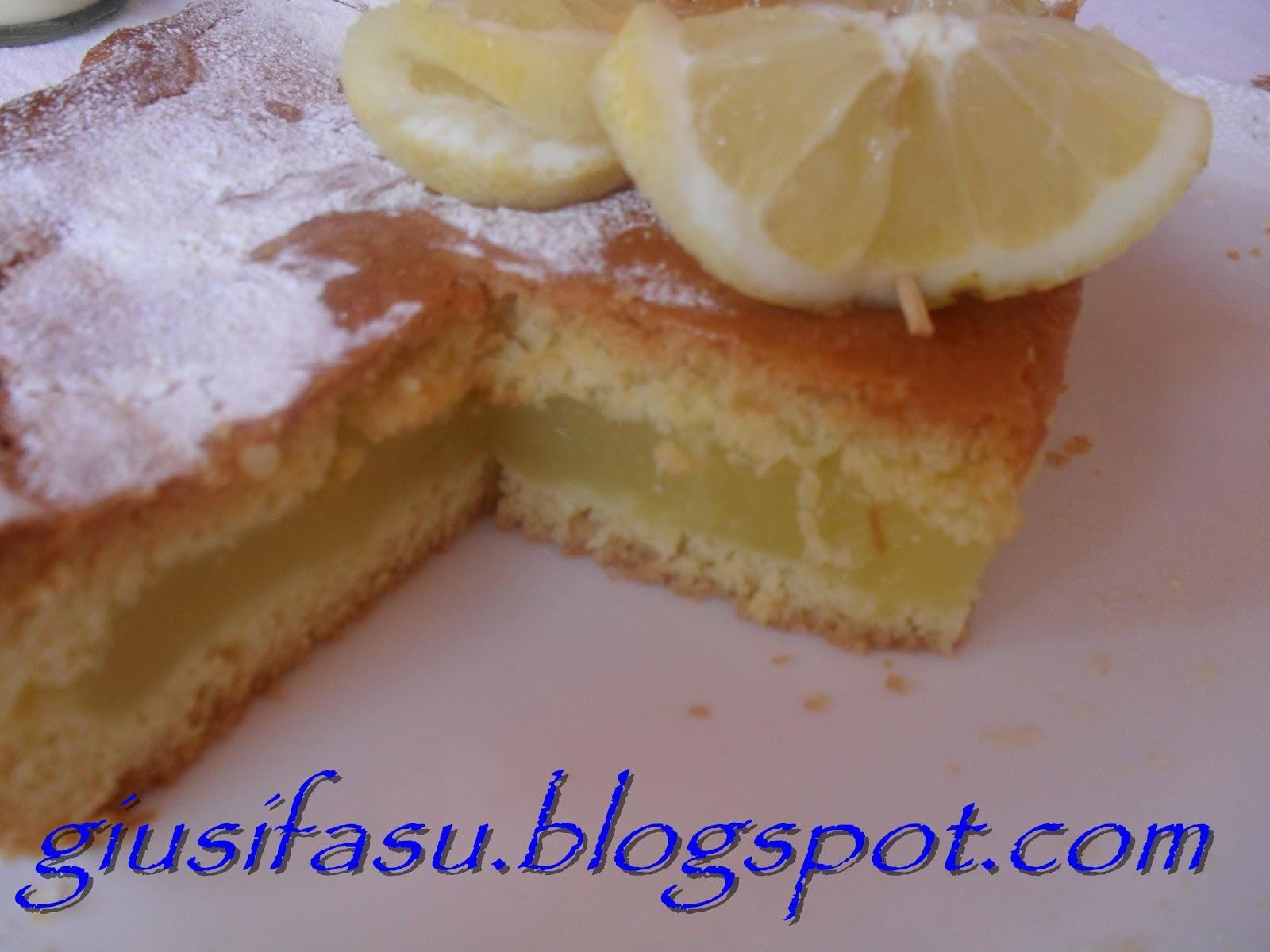 Torta con fecola di patate al limone