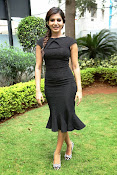 Samantha latest photos in black-thumbnail-14
