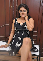 Jahnavi, showing, cleavage, photos