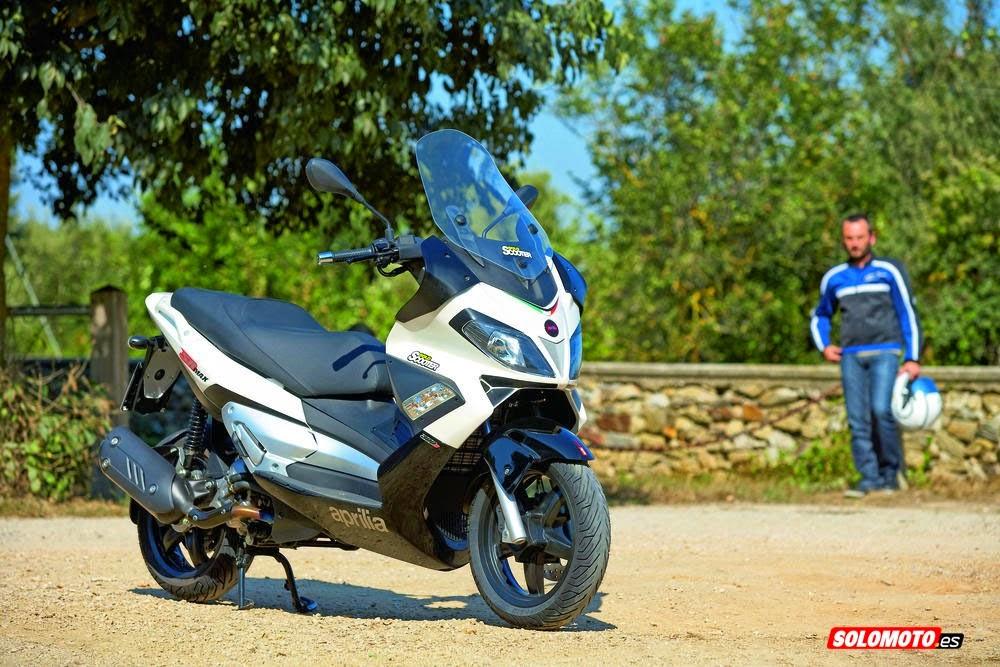 Scooter più economici: Aprilia SR MAX 300