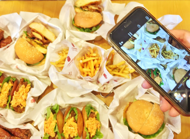 4Fingers - Chicken Burger (Soy Garlic+Hot), Tofu Salad, Calamari & Shrimp
